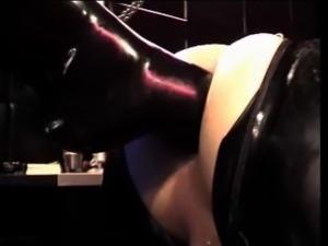 footing her slave