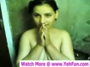 PAKISTANI PATHAN BEAUTY TAKING BATH WHILE LOVER MAKING VIDEO free