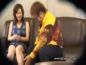 Asian amateur mature woman get fat man on sofa at office
