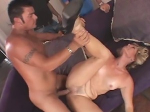 Mature swinger cums twice