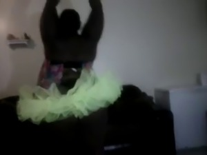 watch her twerk
