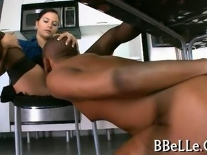 Brandi Belle read a book while getting boned