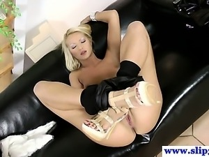 Teen amateur blond sucks old man dick in hot high def