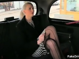 Hot blonde babe gets her pussy licked part2