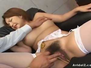 Japanese babe gets her bushy clam fingered