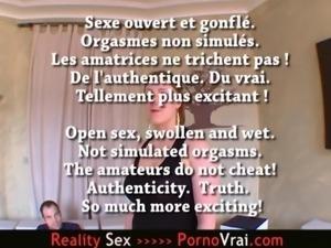 Je peux avoir 11 orgasmes en 2 heures devant un porno !! French