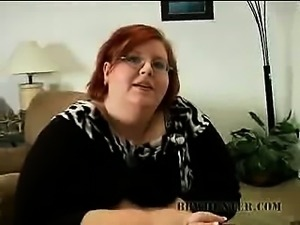 Chunky BBW Gives Oral