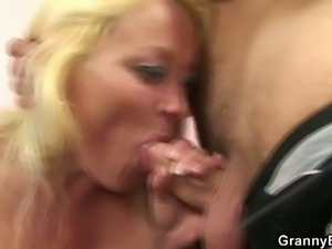 Mature blonde milf gets her cunt banged