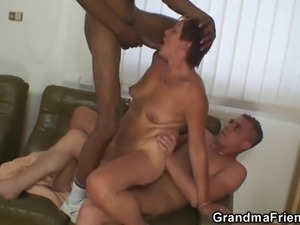 Two dudes invited for 3some with old bitch