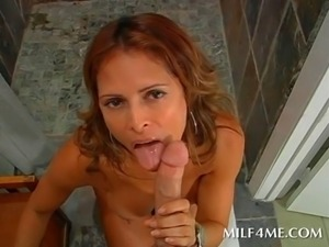 Dick starved MILF giving her fitness trainer BJ in the