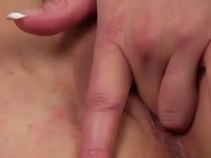 Chubby milf Anna Joy giving lesson on masturbation