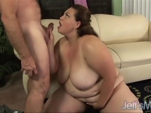 Titanic Angelina straddles a guy's face with her huge thighs and gets him...
