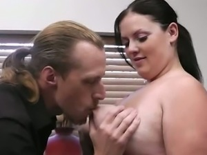 Beautiful bbw chick fucked on her shaved pussy