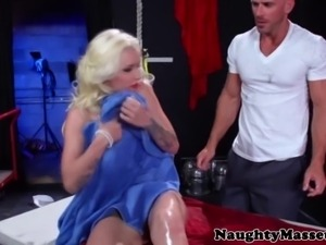 Massagesex blonde sixtynines her masseurs hard cock