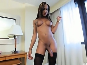 Watch horny transsexual Kayla Biggs masturbate her juicy