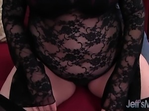 Heavyweight hoochie Alexis Couture pleases this guy\'s cock