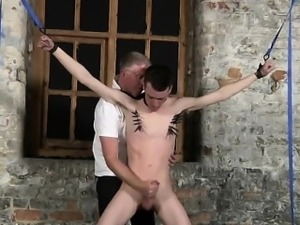 Twink sex Sean McKenzie is corded up and at the mercy of tor