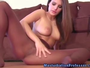 Pantyhose fetish babe rubs her box