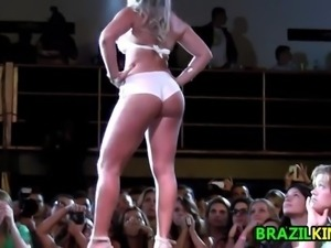 Brazilian Fitness Models On Stage