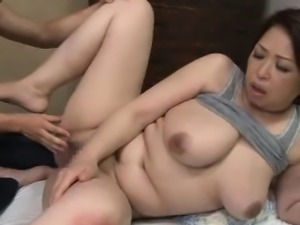 Japanese AV Model has huge tits shaking