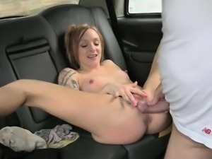 Perky tits chick fucked in the backseat for a free cab fare