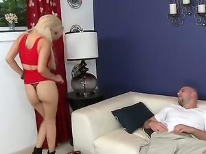 Latina blonde Alice Amore  gives fantastic blow job!