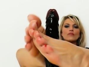 Splendid girlie Sophia Magic plastic cock footjob
