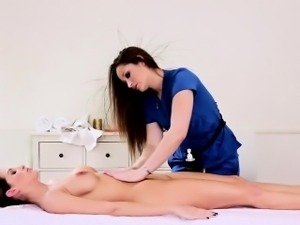 Policewoman eats masseuse