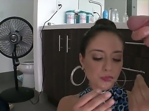 Stunning Jynx Maze loves her big ass anal insertions
