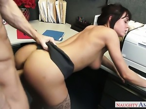 Ryan Mclane has a nice time fucking Exotic Rahyndee James