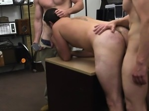 Straight amateur sucking pawnbroker for cash