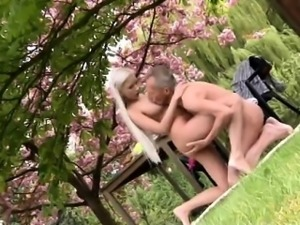 Paul is lovin\' his breakfast in the garden with his new girl