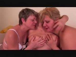 mature lesbians trio