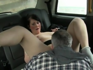 Sexy passenger screwed by fraud driver for a free cab fare