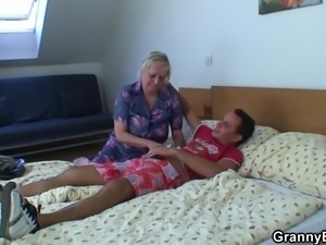 Old blonde granny doggystyle-fucked