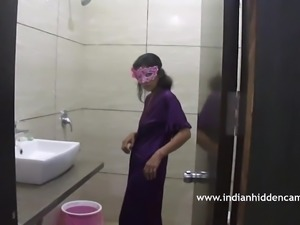 Indian Bhabhi In Bathroom Taking Shower MMS Scandal