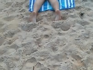 Candid beach bbw with fat ass and cute soles pt3