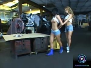 Dorothy Black and Christina Bella lesbian session