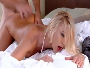 Katie Morgan spread her legs wide open for stepson