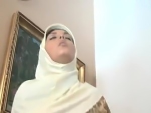ARAB Nice Tits Blowjob