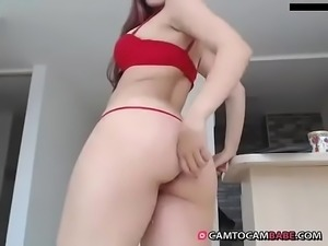 White big booty show on adult webcam xxx