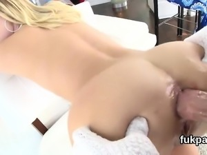 Exceptional sex kitten showcases big arse and gets butt hole