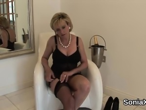 Unfaithful english mature lady sonia reveals her huge boobie